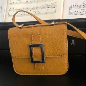 Uterque leather box bag